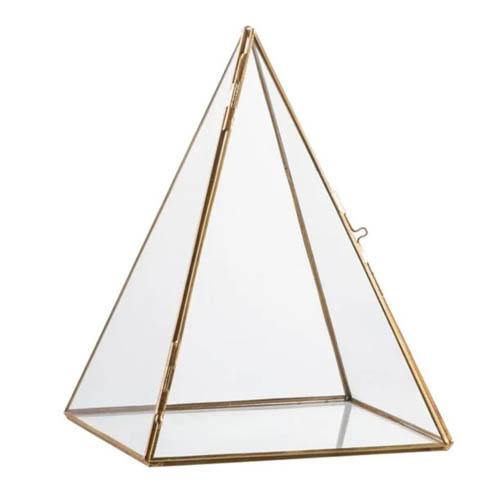terrarium pyramide